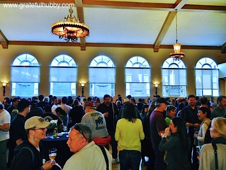 Already a large crowd at the beginning of the Winter KraftBrew Beer Fest 2012